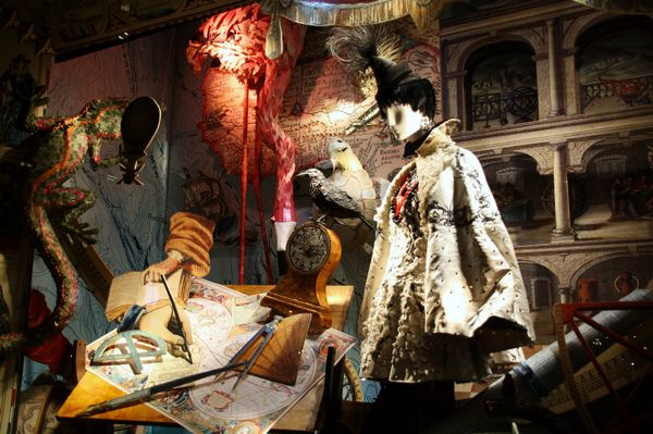 Bergdorf_Goodman_window_display