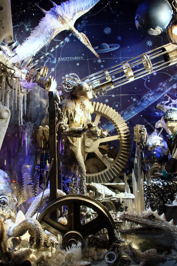 Bergdorf_Goodman_window_display_2