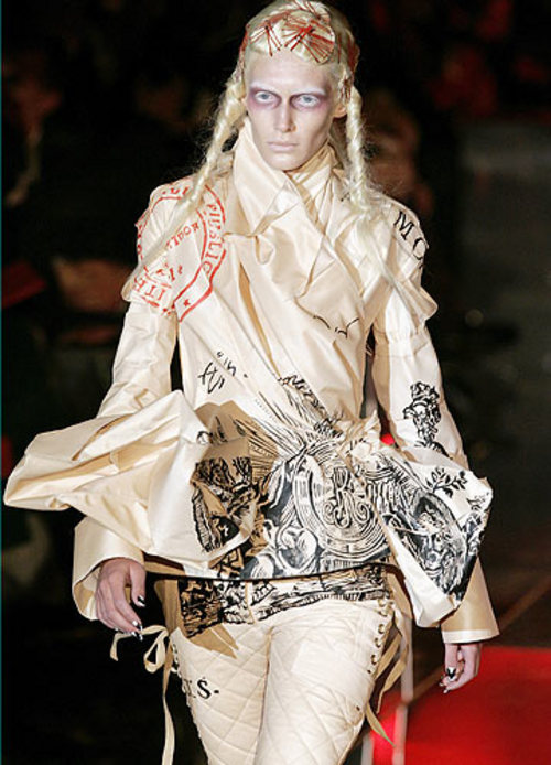 john-galliano-dior-haute-couture--large-msg-114087141622-2
