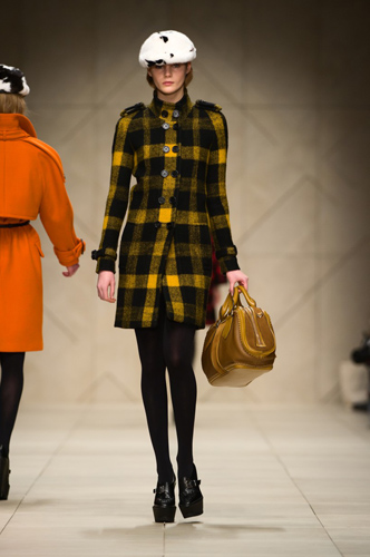 2_burberry_coat