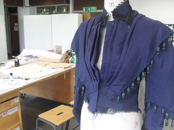 2_Front_view_navy_blue_jacket