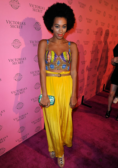 solonge_knowles_wearing_yellow_skirt