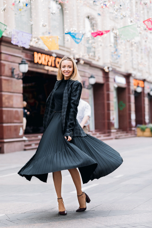 Easy Ways to Accessorize Your Little Black Dress